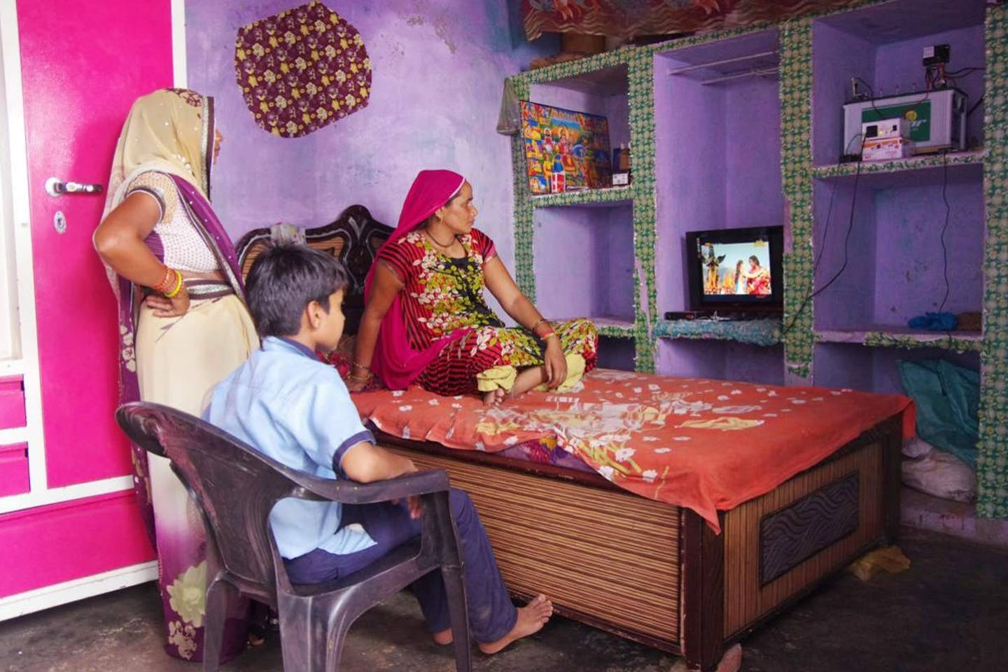 solar enables first tv in Indian rural community