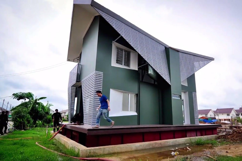 thai amphibious house