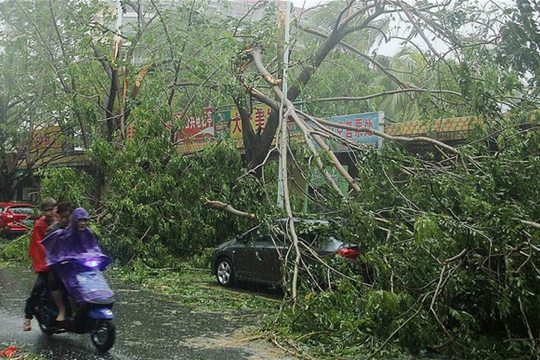 Sanya in China hit by Haiyan