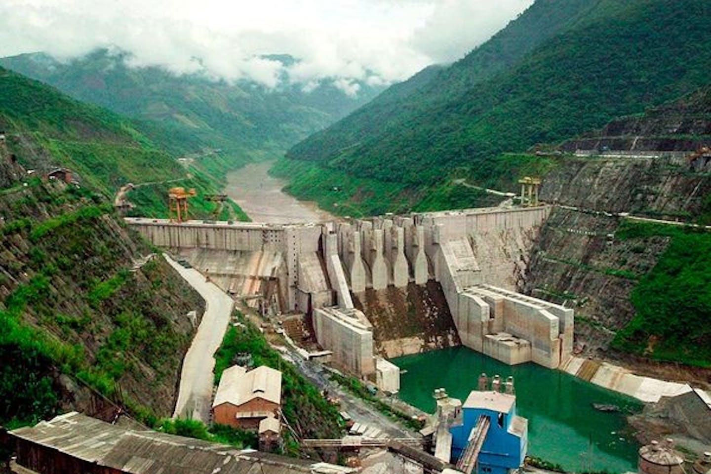 mekong-river-giant-fish-threatened-dam_33707_600x450